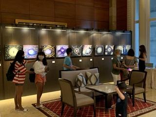 2021年4月16日シンガポール個展1.JPG